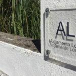 werkzaamheden Alojamento local in POrtugal het roer om